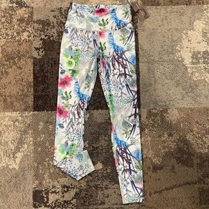 NWT Playground Floral Leggings XS